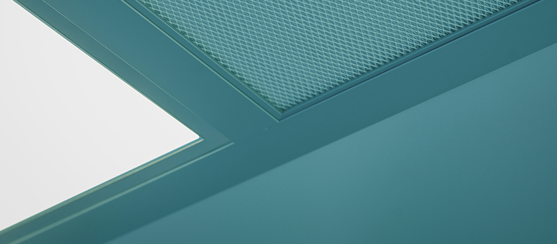 HEPA filter en LED verlichting in cleanroom plafond